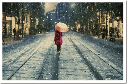 City-snowing-Wallpaper-Photography-Mood