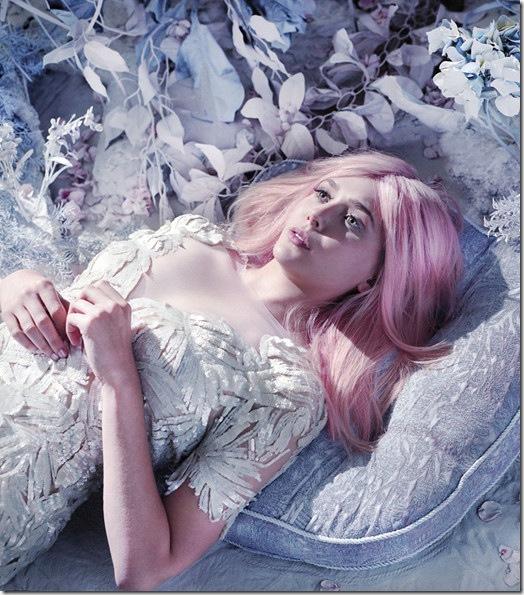 elizabeth-olsen-pink-1