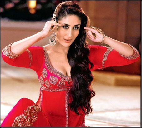 Kareena-Kapoor-doing-Mujra-in-Agent-Vinod-Stills