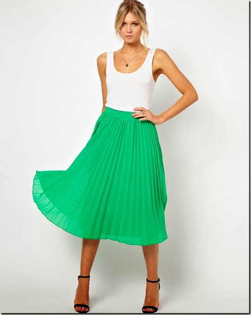 model with green skirt