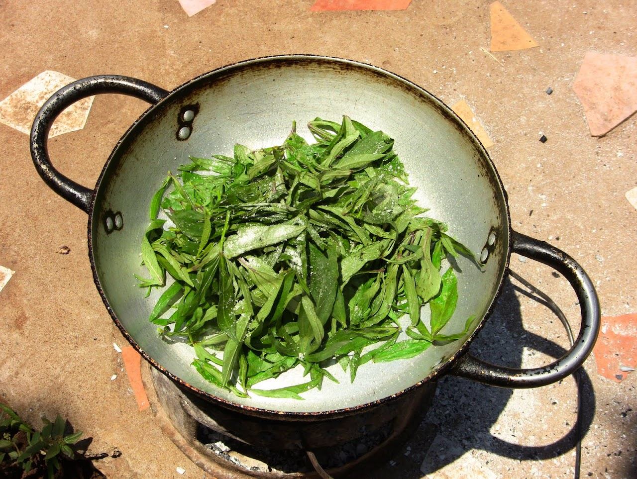 Okra leaves cooking