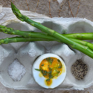 Béarnaise Duck Eggs With Asparagus Dippers