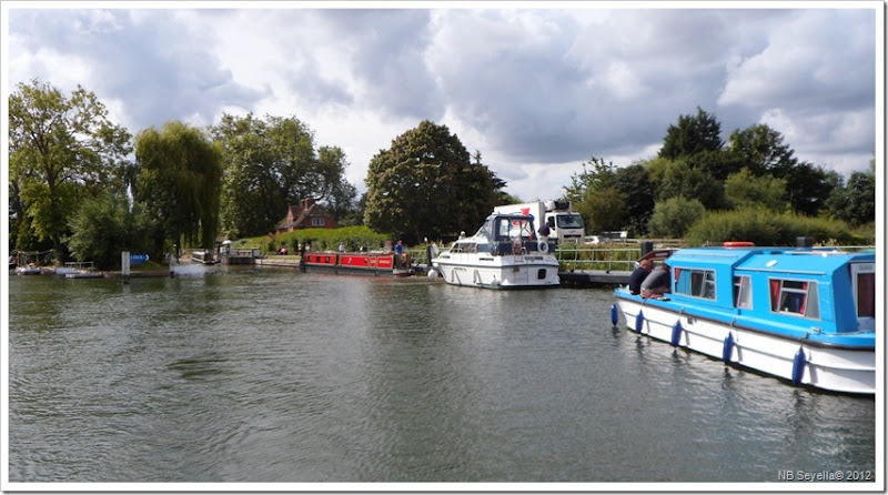 SAM_1908 Mapledurham Lock
