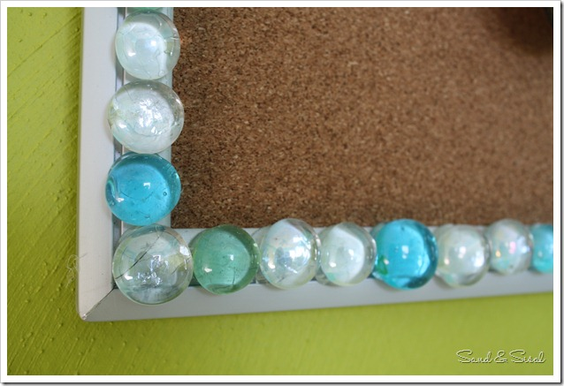 glass bead cork board detail