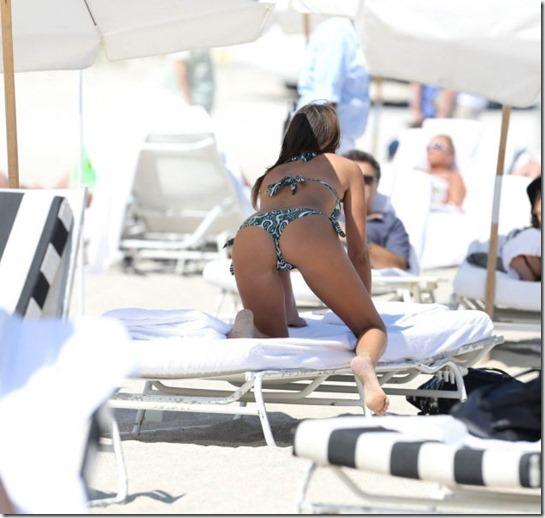 celebrity-beach-bum-21
