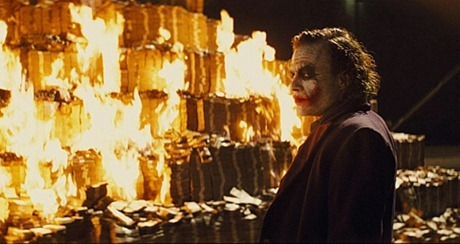 the-dark-knight-joker-heath-ledger-burning-money