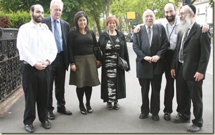 Baroness-Warsi-visit-to-Hackney-20_07_11-007
