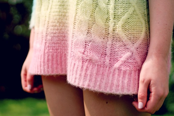 UNIF CAKE SWEATER DETAIL