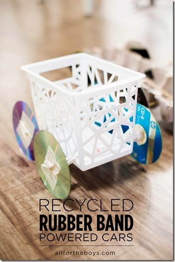 SO COOL!!! Rubber Band Powered Cars! What a fun STEM science project for kids. This would be a fun kids activities to add to a summer bucket list!