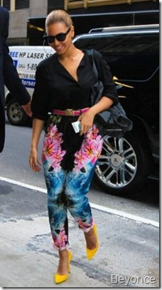 Beyonce-Style-in-Dark-Floral-Pants