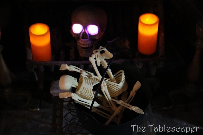 Halloween Mantel 035