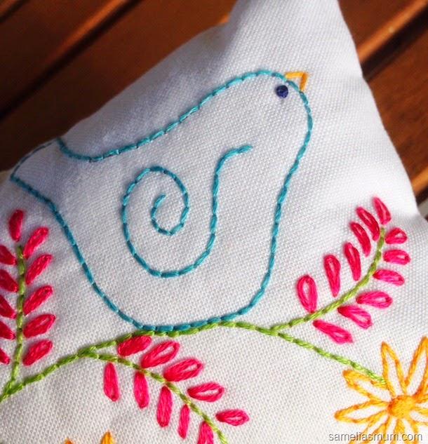 Birdie Pincushion 1