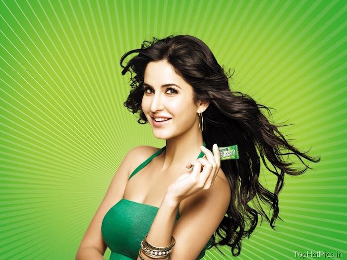 Katrina Kaif Sexy in Green Photos 3