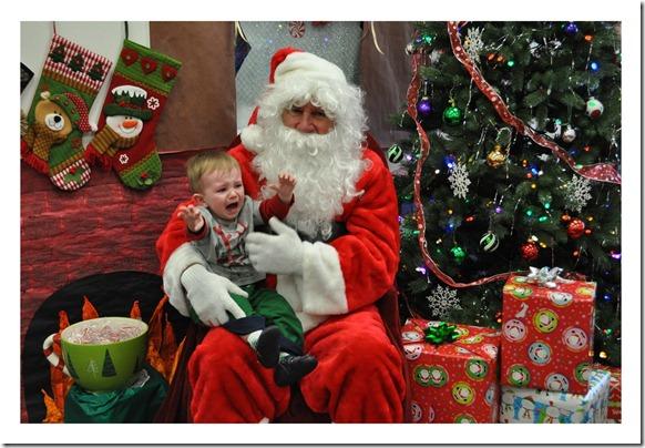 12 14 11 - Santa at Child Garden (13)