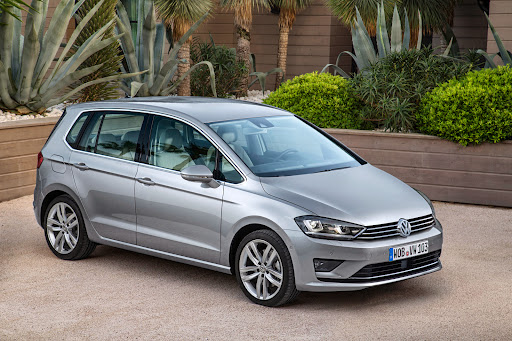 VW-Golf-Sportsvan-14.jpg