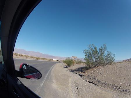 Death Valley California: La nivelul marii ... dar departe de apa