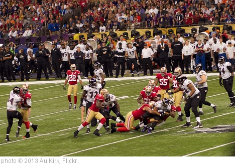 'Ray Rice Run During Super Bowl XLVII' photo (c) 2013, Au Kirk - license: http://creativecommons.org/licenses/by/2.0/