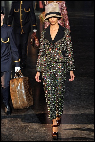 louis_vuitton___pasarela_158746052_320x480