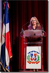 La Embajadora Rosa Hernández de Grullón al pronunciar su discurso durante la recepción