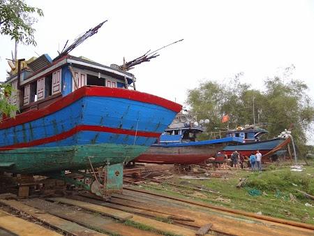 20. Fabrica barci.JPG