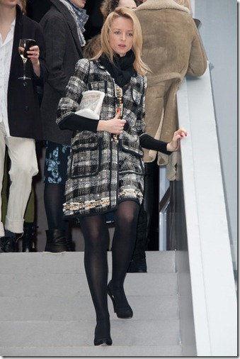 Delphine Arnault Louis Vuitton Outside Arrivals 4NNjWYlBXVll