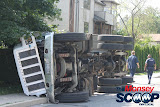 Overturned Truck On Paiken Drive In Spring Valley (Moshe Lichtenstein) - IMG_4437.JPG