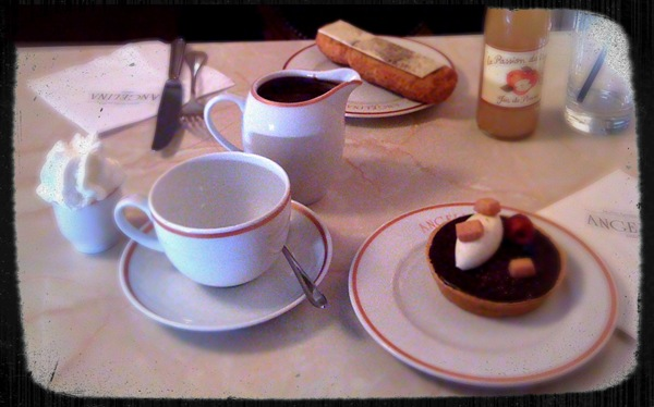Afternoon tea for two Paris style