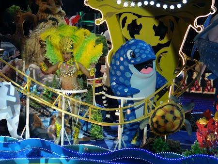 Parada Anul Nou Chinezesc: Dansatoare samba asiatica