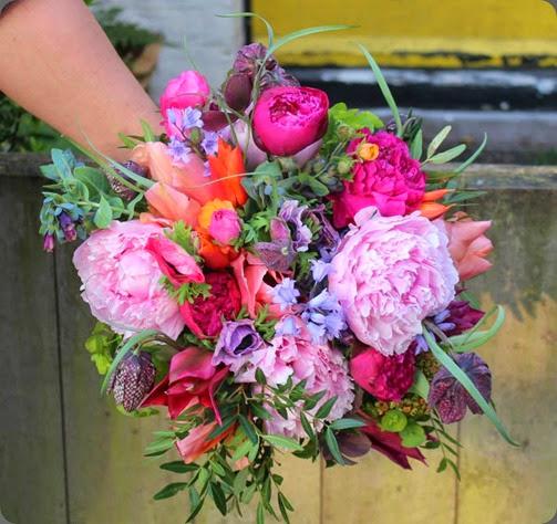 arm lock cottage flowers 1509271_311090425705251_6557787239541145639_n