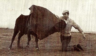 Pepe Luis de rodillas (Navalón) 001
