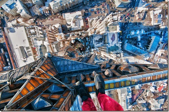 extreme-rooftopping-skywalking-photos-mustang-wanted-russia-13