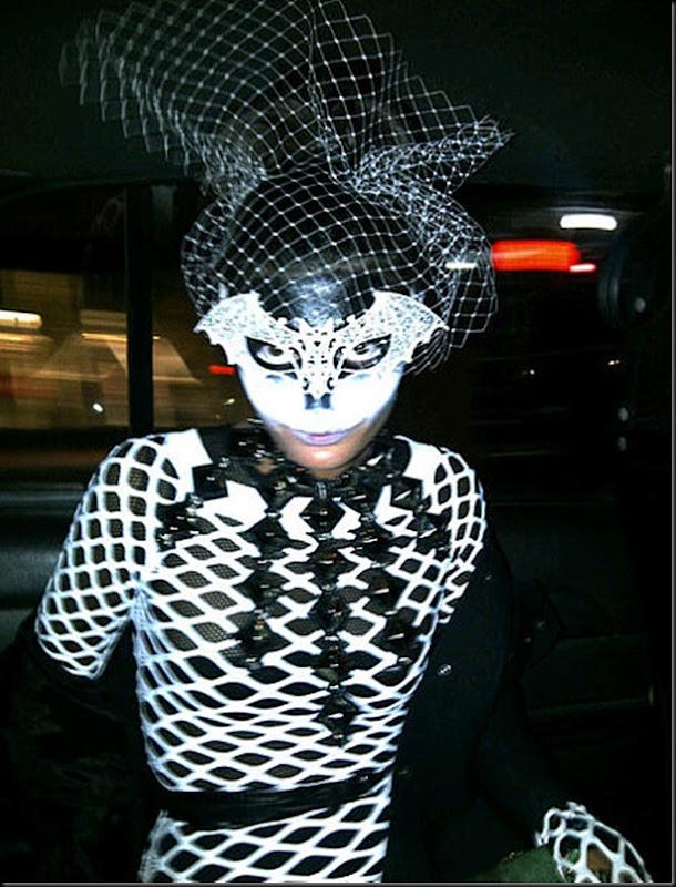 Halloween-2011CAL2U8LN