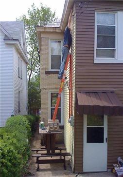 Invenção Perigosa - Trabalhando com escada - Profissão perigo - muito arriscado 02