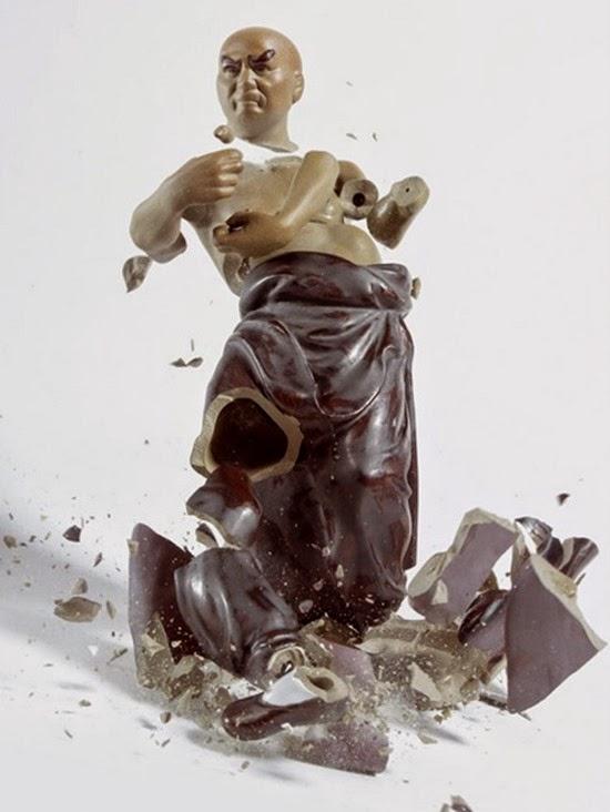 Série Porcelana quebrando 03
