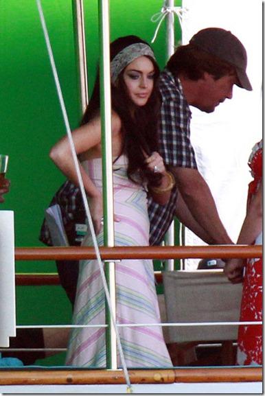 T TS DICK Lindsay Lohan appears suffer multiple KAvLIOMOTwwl