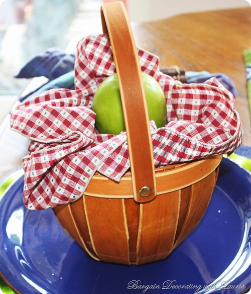 Dinner in a Basket-Bargain Decorating with Laurie