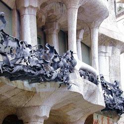 28.- Gaudí. Casa Milá