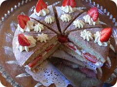 Strawberry shortcake gateau