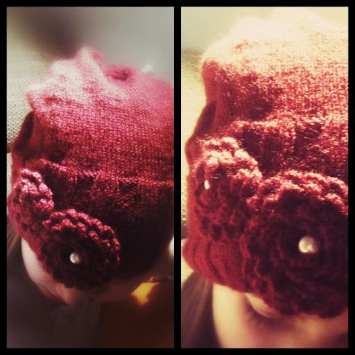 Mütze mit Häkelblumen