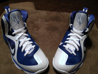 nike lebron 9 pe kentucky wildcats home 2 01 Detailed Look at Nike LeBron 9 Kentucky Wildcats Home PE