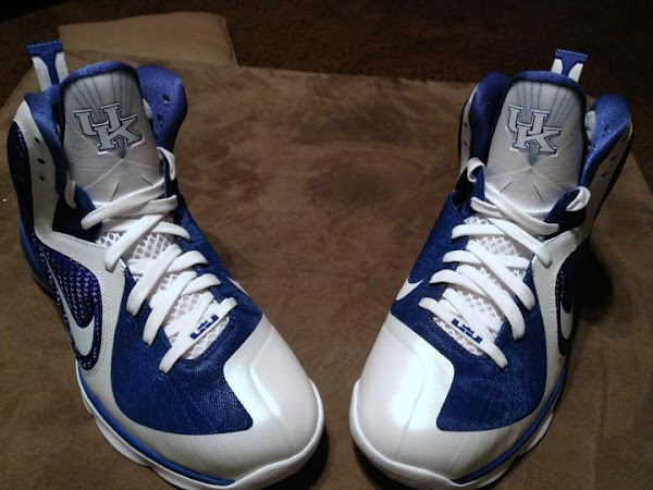 Detailed Look at Nike LeBron 9 8220Kentucky Wildcats8221 Home PE