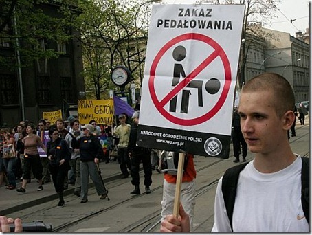 homophobic-symbol5_thumb1