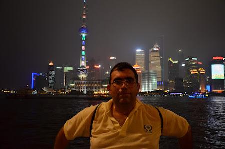 Pe malul fluviului, in Shanghai
