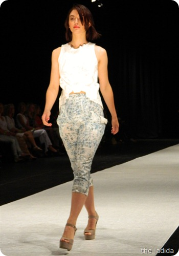 Ellie Mackay - AGFW Fashion Show 2012 (10)