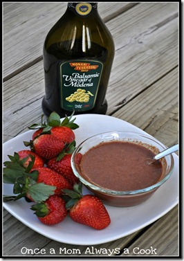 Strawberry-Balsamic-Vinaigrette_thum