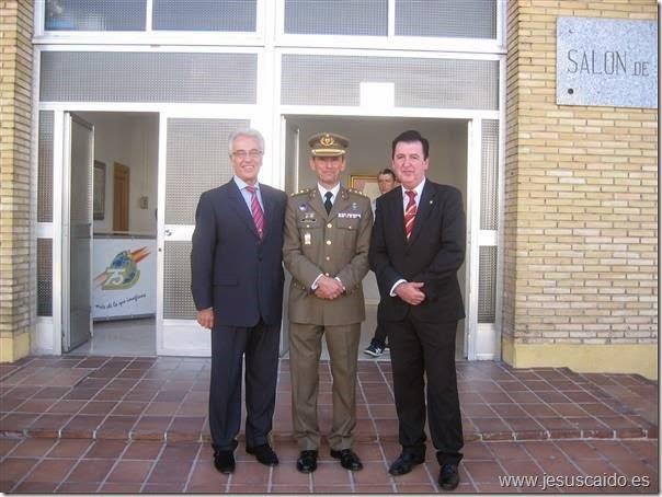Acompañando al Coronel Jefe del Centro Geográfico del Ejército