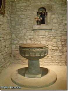 Pila bautismal iglesia de San Martín de Artáiz - Izagaondoa