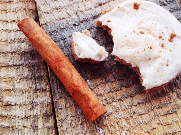 cinnamon cookies holiday cream bakery sugar