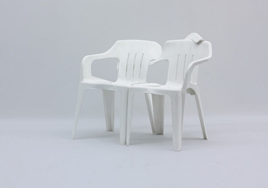 Cadeiras de plástico Bert Loeschner (1)