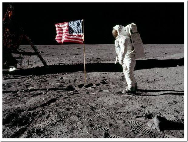 Resultado de imagem para Aterrissagem na Lua